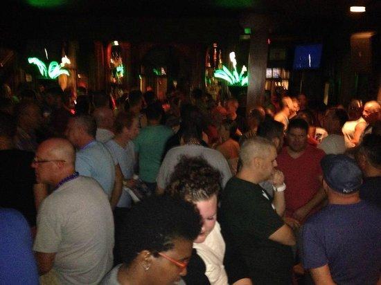 Good Friends Bar & Queens Head Pub: downstairs bar