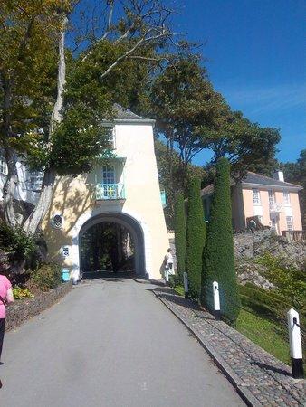 Portmeirion Village: Gate house