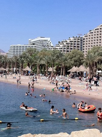 Dan Eilat: on the beach against the hotel