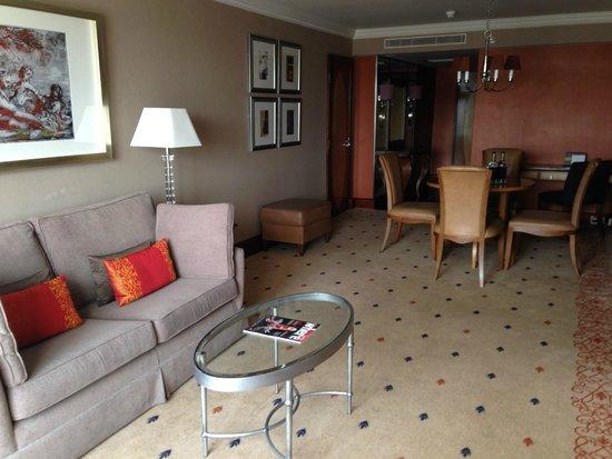 InterContinental London Park Lane: Comfortable spacious suite