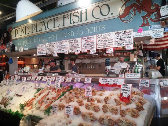 Pescader a del pike place market picture of pike place for Fish market hours