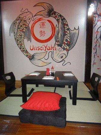Unsei - Yaki: Unsei Yaki Tatami Sushi