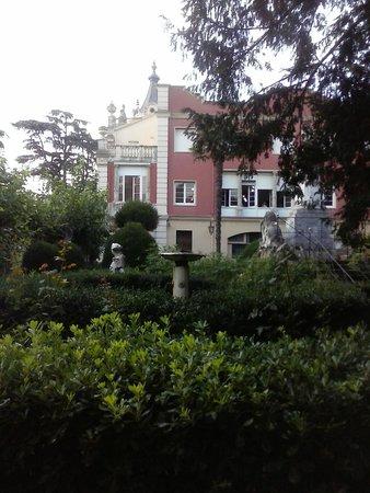 Residencia Salesiana Marti-Codolar: nice having breakfast inside this building, isn't it?