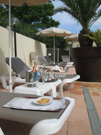 Hotel Ariane : PISCINE