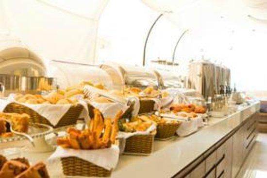 Best Western Premier Majestic: Café da Manhã