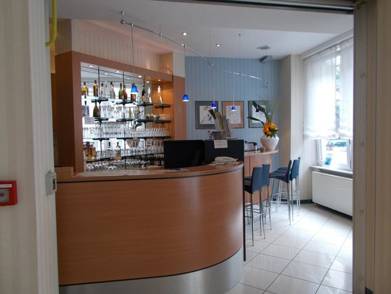 Favored Hotel Plaza: Reception