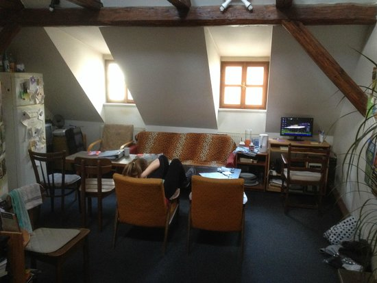 Hostel Bridge 2 : Common area with computer and strong wifi signal
