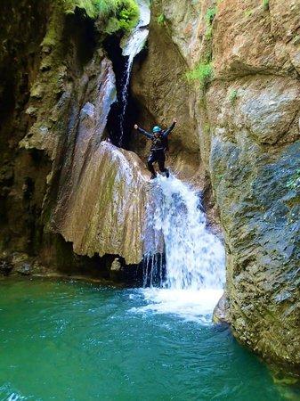 Canyon Adventures: jump!