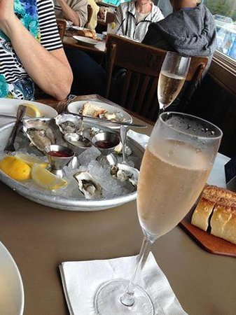 Sam's Chowder House: Oysters and Champagne