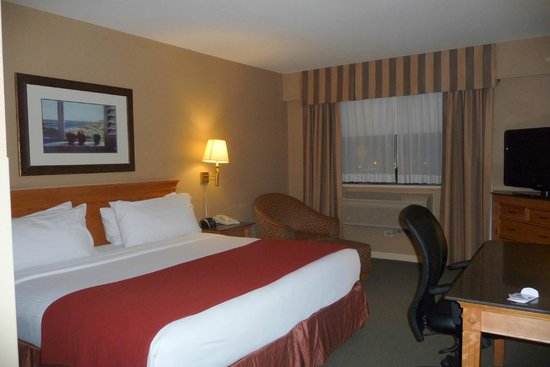 Holiday Inn Vancouver Airport : Room