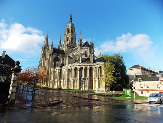 Hotel Le Bayeux: Cathedral