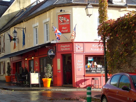 Hotel Le Bayeux: Le Conquerant pub near Tapestry Museum