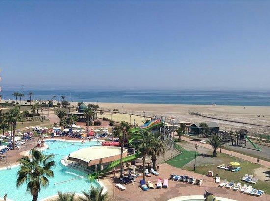 ALEGRIA Colonial Mar: Vista para a praia