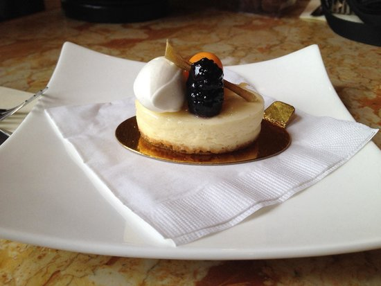 The Culinary Institute of America: New York cheesecake from the cafe