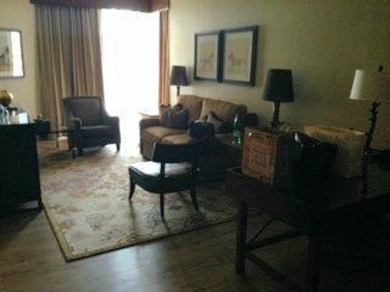 Omni Austin Hotel Downtown: executive level 1-bd suite