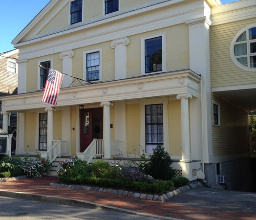 Mary Prentiss Inn: This exquisite landmark Bed & Breakfast welcomes visitors on tree-lined Prentiss Street. It feel