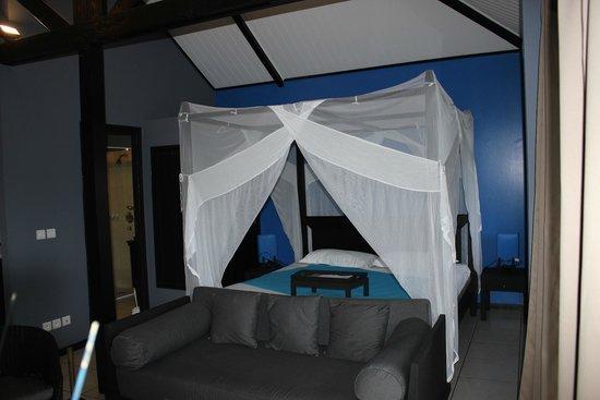 Quality Resort Rivland: la chambre du bungalow