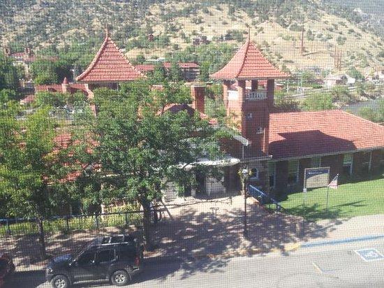 Hotel Denver: Train Station