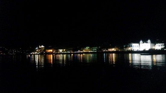 Meltemi Cafe: Paros by night