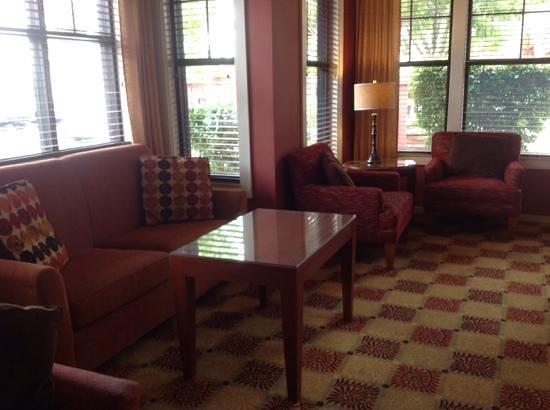 Residence Inn Prescott: Lovely room to read or relax in
