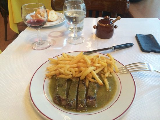 Le Relais de l'Entrecote: First round - Steak and Fries