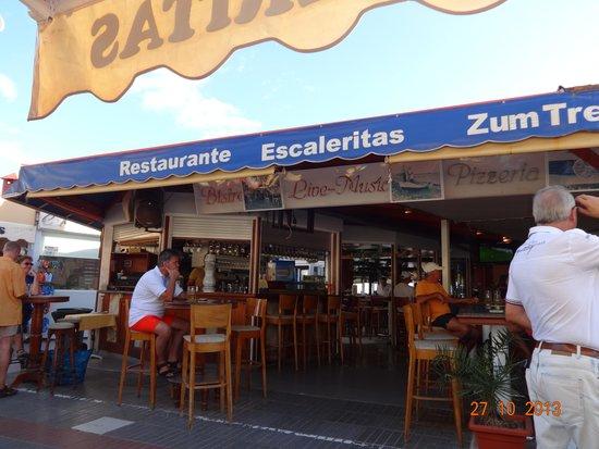 Restaurante Escalerita I: people watching