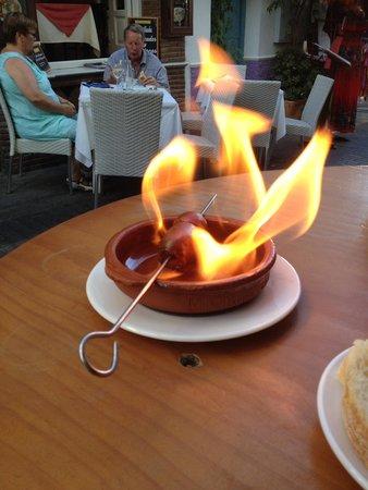Redondo Bar : Chorizo to cool at your table.