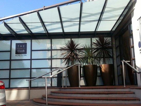 The Club Hotel & Spa : Hotel entrance....