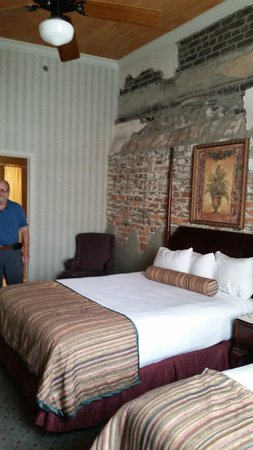Prince Conti Hotel: Room 269 high ceilings
