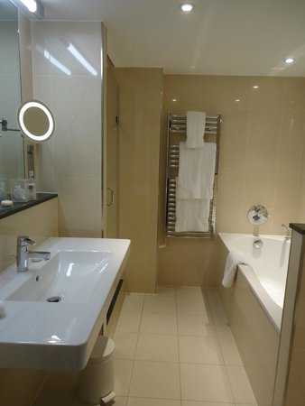 Royal Garden Hotel: Loved the heated towel rack...just a little far to reach from shower