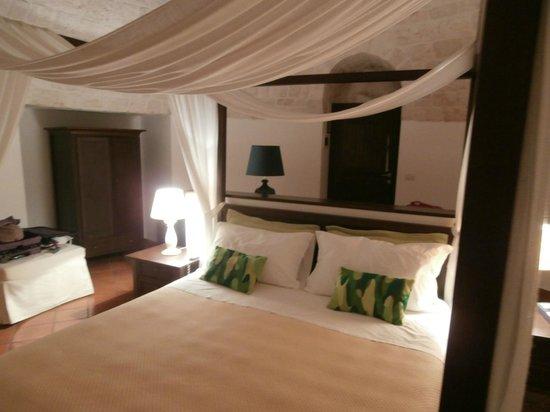 camera con 2 stanze, letto matrimoniale a baldacchino, 2 lettini ...