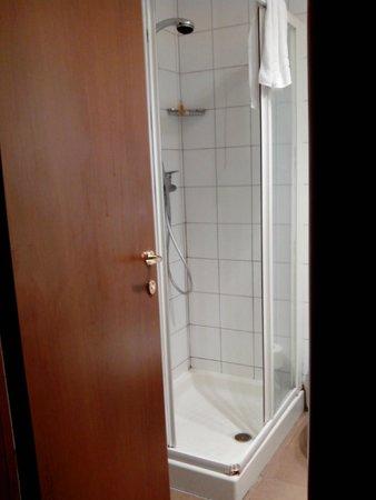 Hotel Executive: Baño