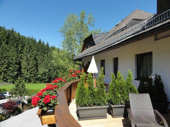Kaiserhof: Terrasse mit Blick zum Hartkaiser