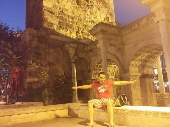 Hadrian's Gate : Nice gate