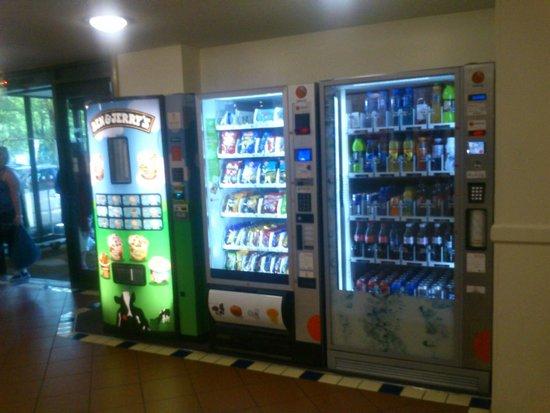Premier Inn Southampton City Centre Hotel: Vending machines