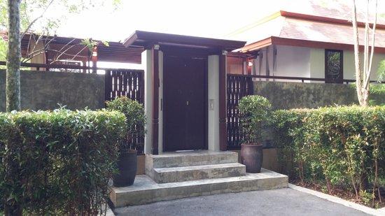 Villa Zolitude Resort and Spa: the main door