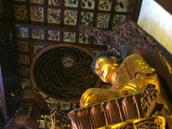 Sunny Tours Shanghai: Oldest Buddhist Temple in Shanghai