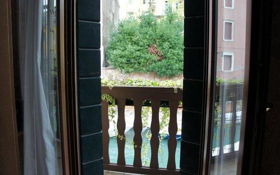 Hotel American Dinesen : Balcony
