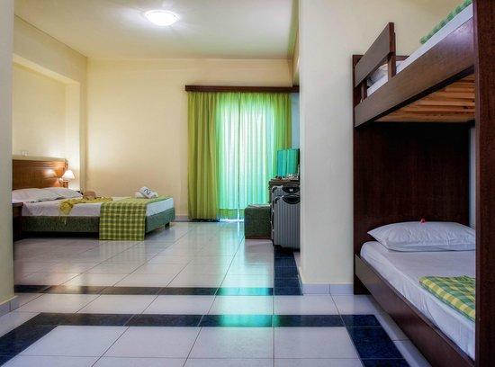 smartline Neptuno Beach : Family Room