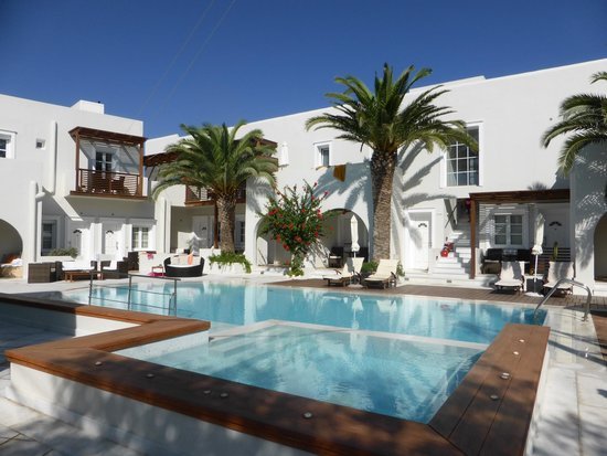 Nissaki Beach Hotel Naxos: Esterno piscina