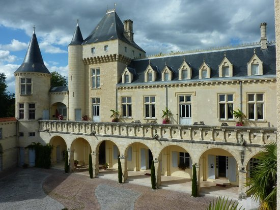 Chateau de la Riviere: Le château de Viollet le Duc