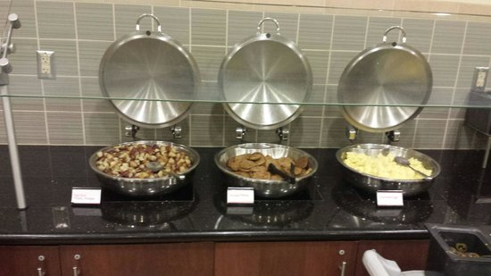 Residence Inn Phoenix Desert View at Mayo Clinic: Breakfast area 1