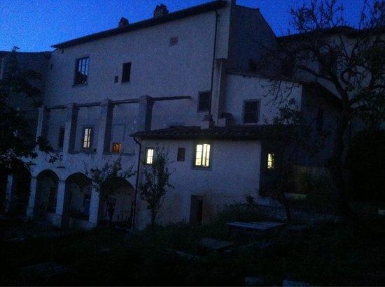 Bigallo Hostel: Вечером