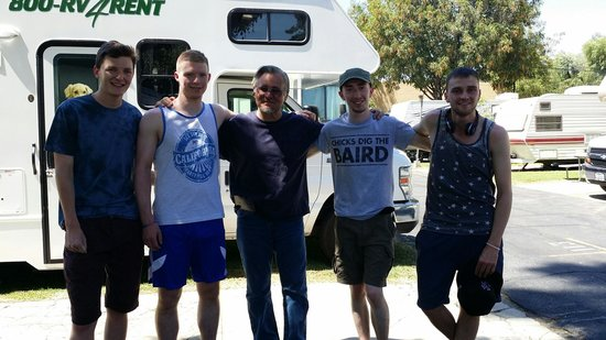 Balboa RV Park: Steve saying goodbye to the Irish guys.