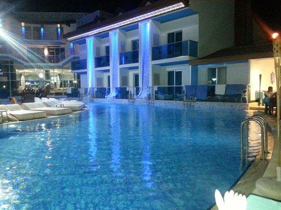 Ocean Blue High Class Hotel: Nisan15 1. Gün