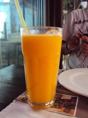 Bambu Lounge & Bistro: Fresh orange juice