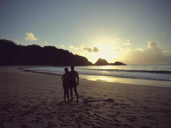 Baia do Sancho: Pôr do sol Baía do Sancho
