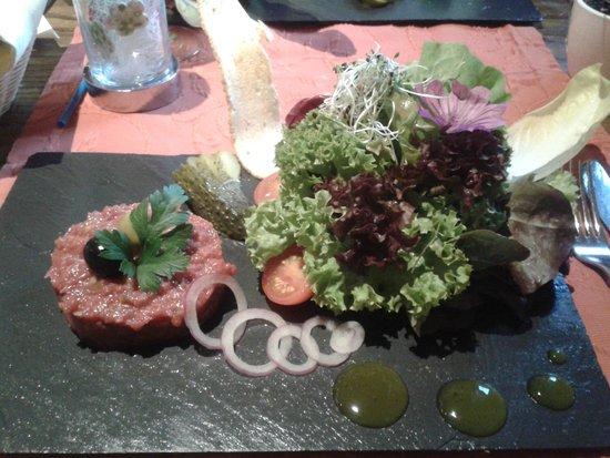 Hotel Spinne Restaurant: Salat mit Tatarbeilage
