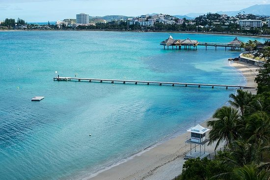 Chateau Royal Beach Resort and Spa : view toward Noumea from Rm. 717