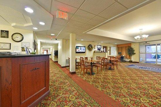 Milroy, PA: Hotel Lobby